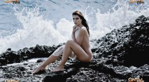 Sarah Anessa als Beach Beauty by Dominique Zahnd